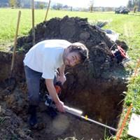 digging.jpg