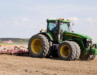 Traktor_SLU_120521_9983_jsg_880x680px.jpg