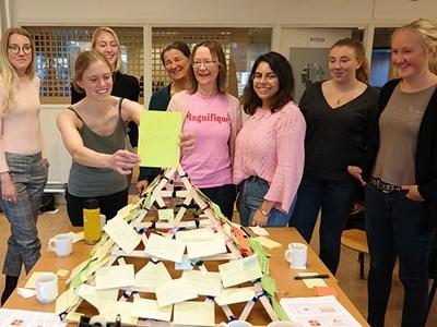 Matutmanare. Från vänster: Ronja Lindell, Emma Nilsson, Lotta Rydhmer (lärare), Ewa Wredle (lärare), Ida Sofia Klemets. Foto: Malin Planting, SLU