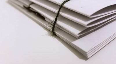 paper, folders www.pexels.se.JPG