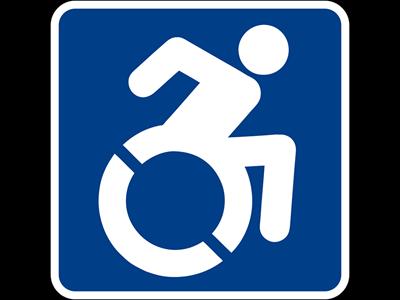 En aktiv person i en rullstol, tillgänglighetssymbol
