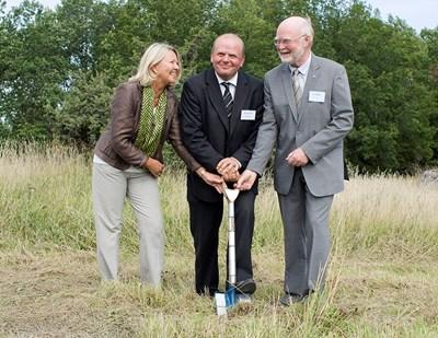 Första spadtaget för Lövsta lantbruksforskning, SLU 2009, foto.